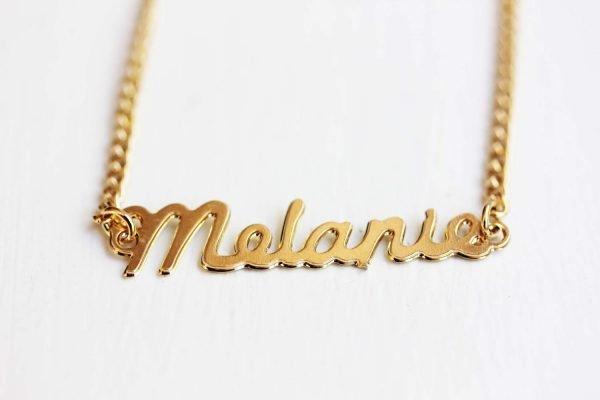 Кулон с именем Мелани
