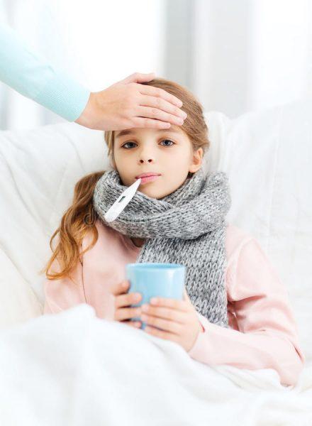 Простуженная девочка
