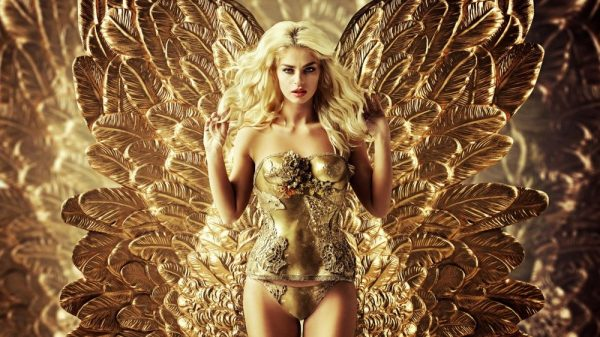 Девушка с золотыми крыльями
