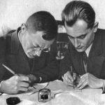 Евгений Петров (справа) и Илья Ильф