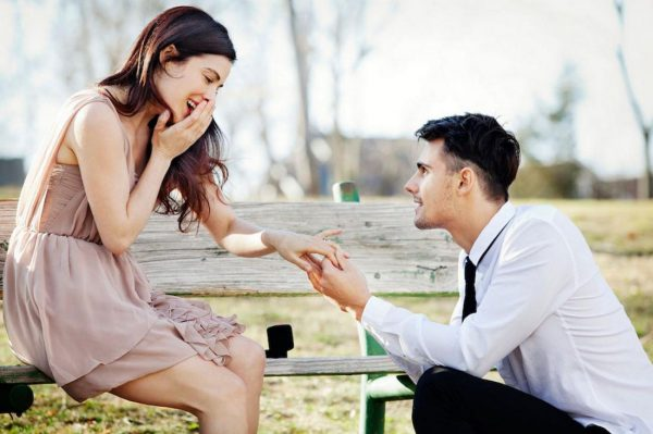 Мужчина желает предложение девушке