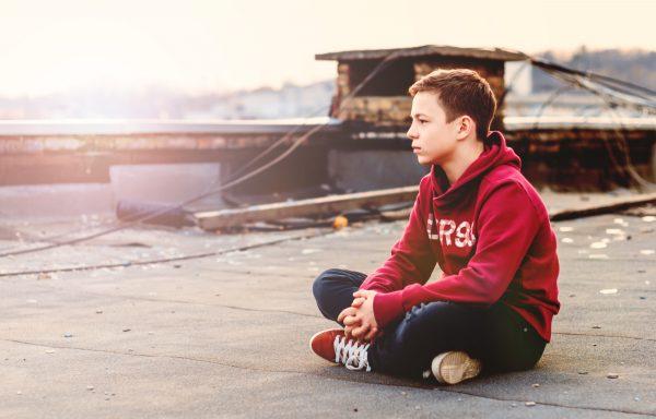 Подросток на крыше