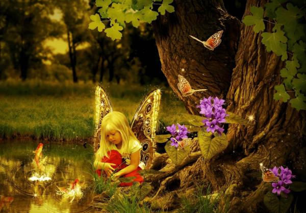 Девочка с крыльями бабочки в сказочном лесу