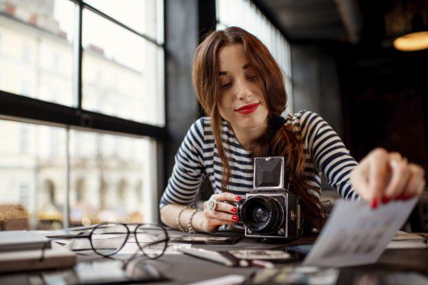 Девушка-журналистка