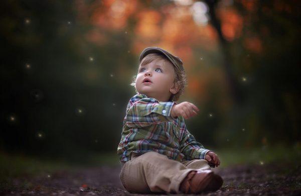 Мальчик в клетчатой рубашке