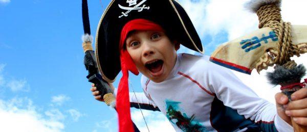 Мальчик пират