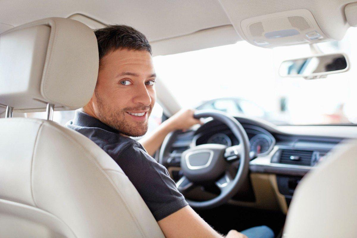 реальные фото мужчин в автомобиле любимыми занятиями