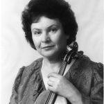 Нелли Школьникова
