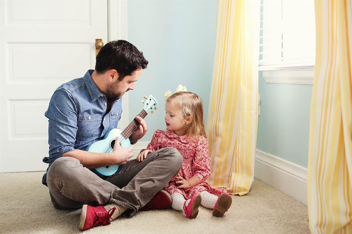 Картинка маленькая дочка с папой