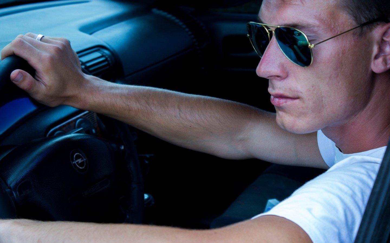 картинки парень за рулем автомобиля быть