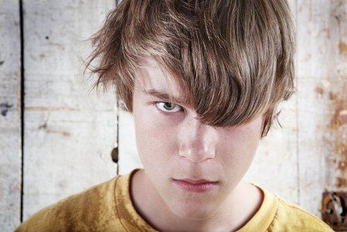 Сердитый подросток