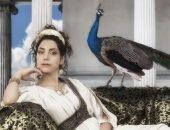 богиня Гера с павлином