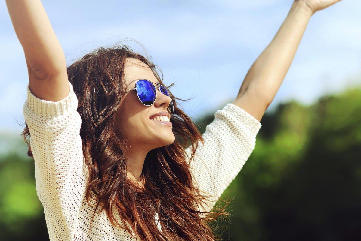 Счастливая женщина картинки